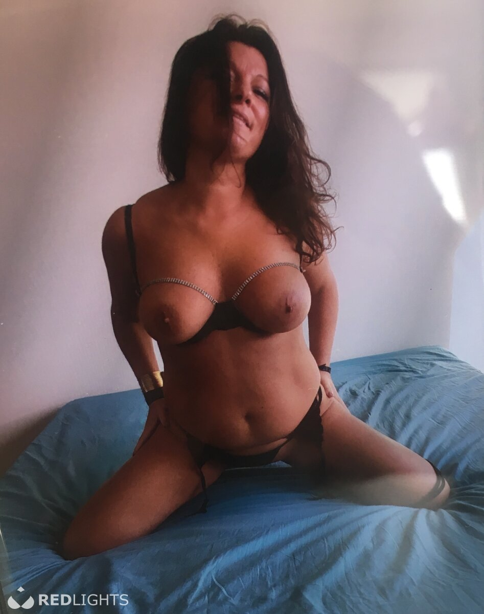 redlight prive free cam to cam sex chat