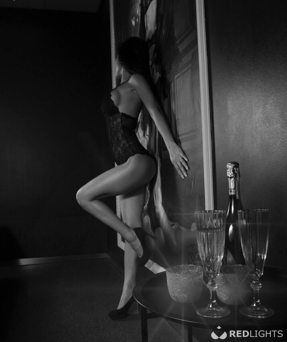 erotische massage waddinxveen vrouw pijpt man